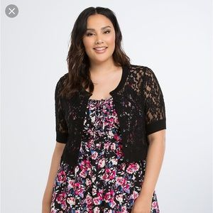 Mid sleeve black lace button up shrug